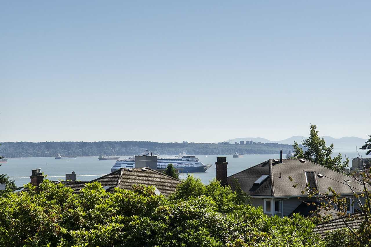 1258 GORDON AVENUE, West Vancouver, BC V7T 1R2