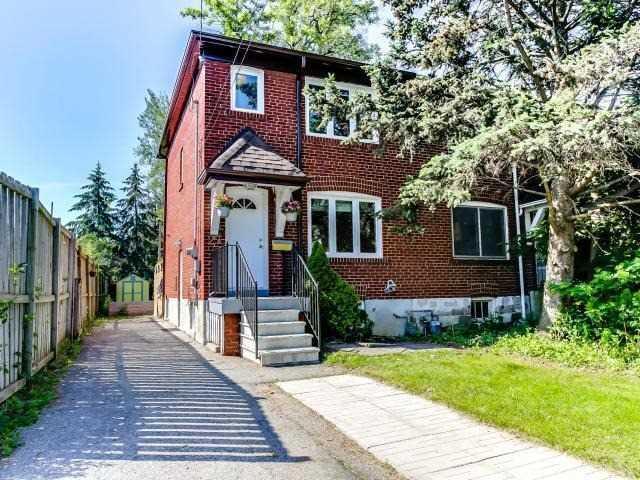 27 Balfour Ave, Toronto, ON M4C 1T4