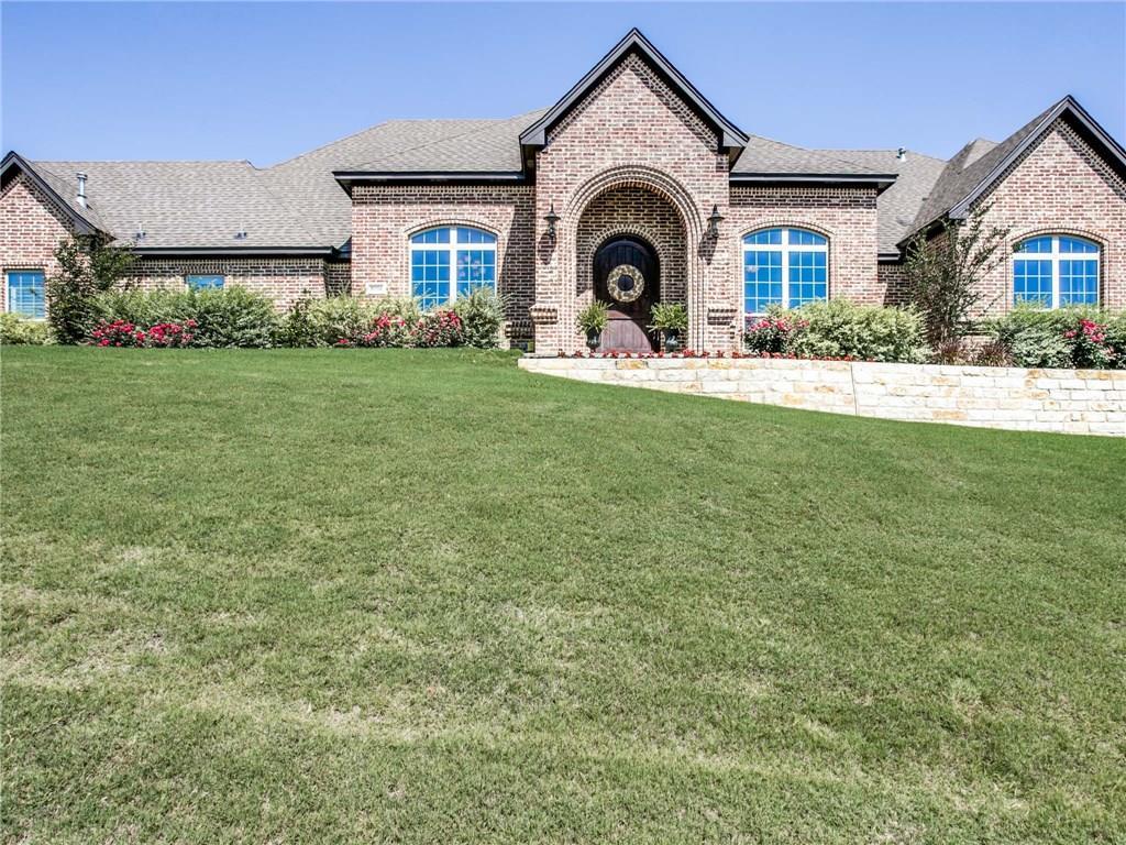 10704 Alta Sierra Drive, Benbrook, TX 76126