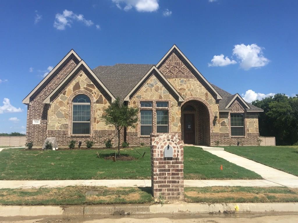 5126 Crestwater Drive, Mansfield, TX 76063