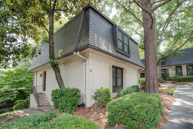 31 NW La Rue Place, Atlanta, GA 30327