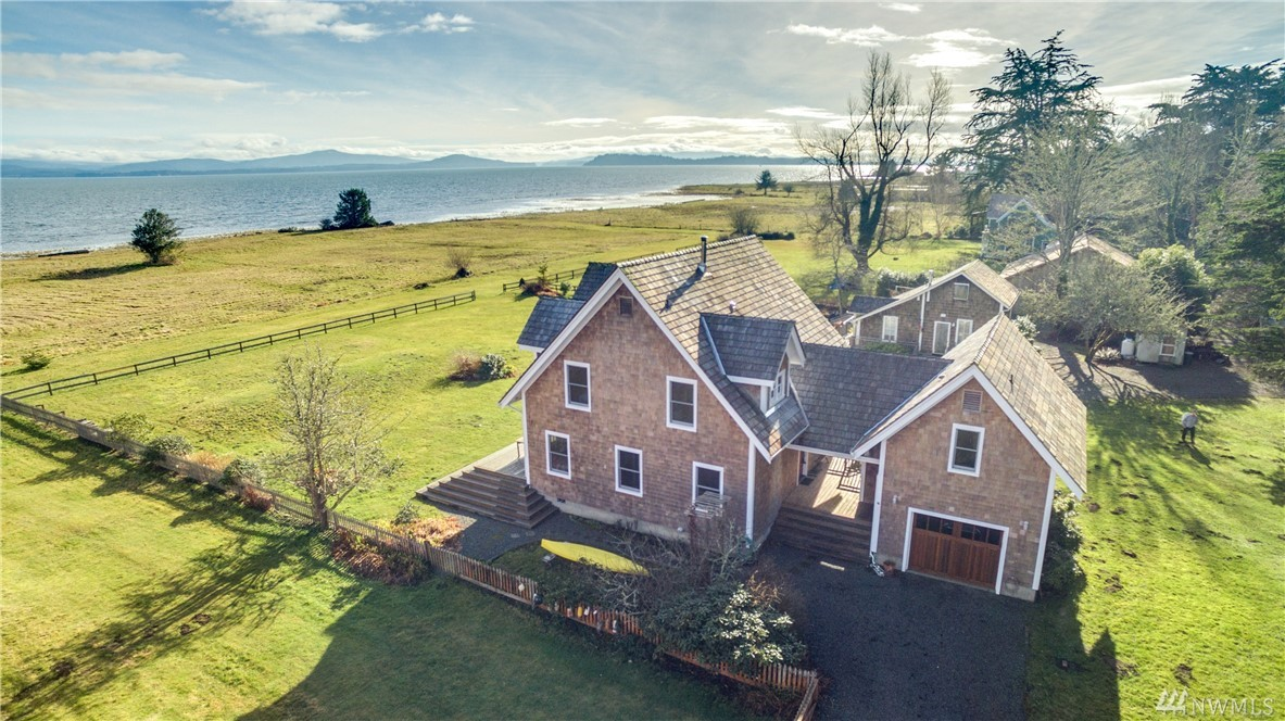 34008 Territory Rd, Oysterville, WA 98641