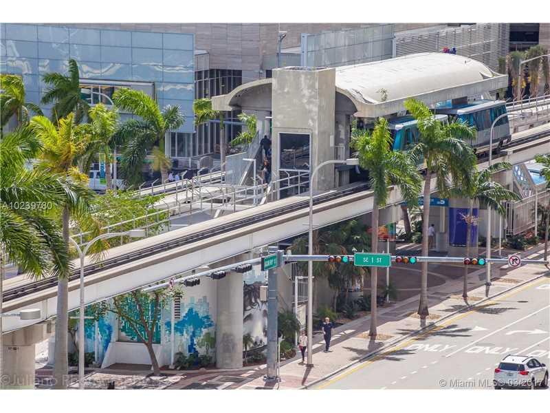 50 Biscayne Blvd 810, Miami, FL 33132