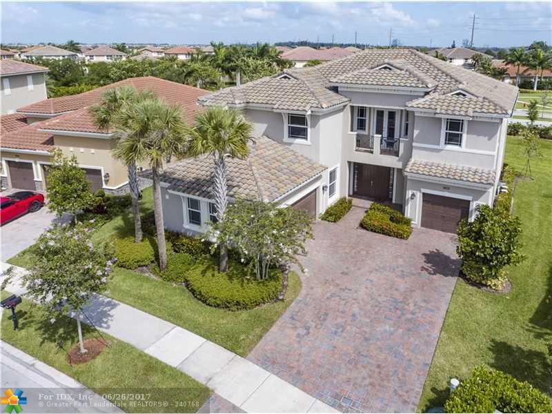 9101 Edgewater Bnd, Parkland, FL 33076
