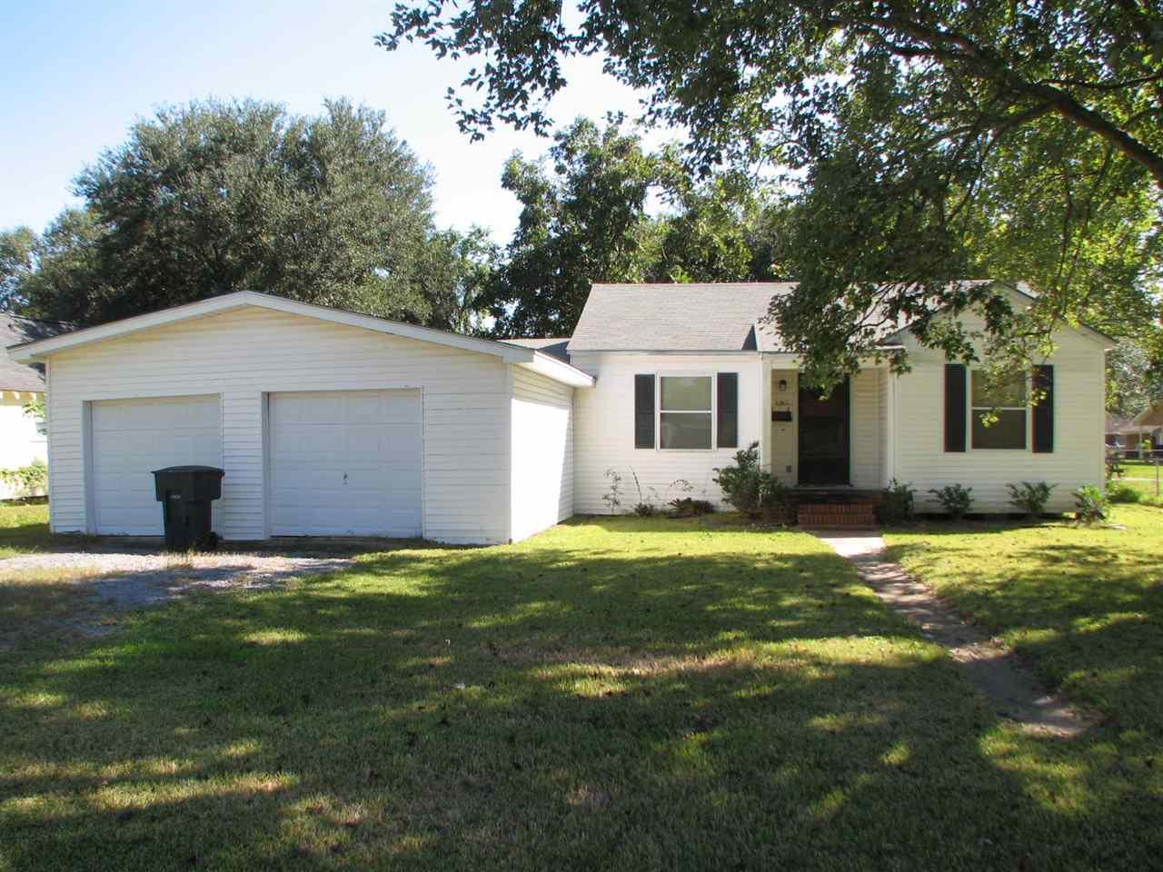 6360 Howe ST, Groves, TX 77619