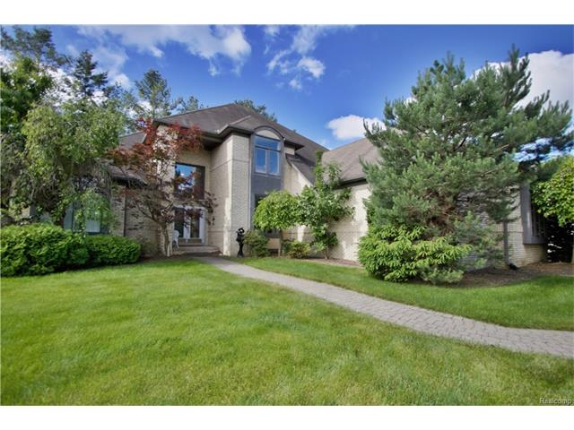 8890 Chestnut Run Drive, Shelby Twp, MI 48317
