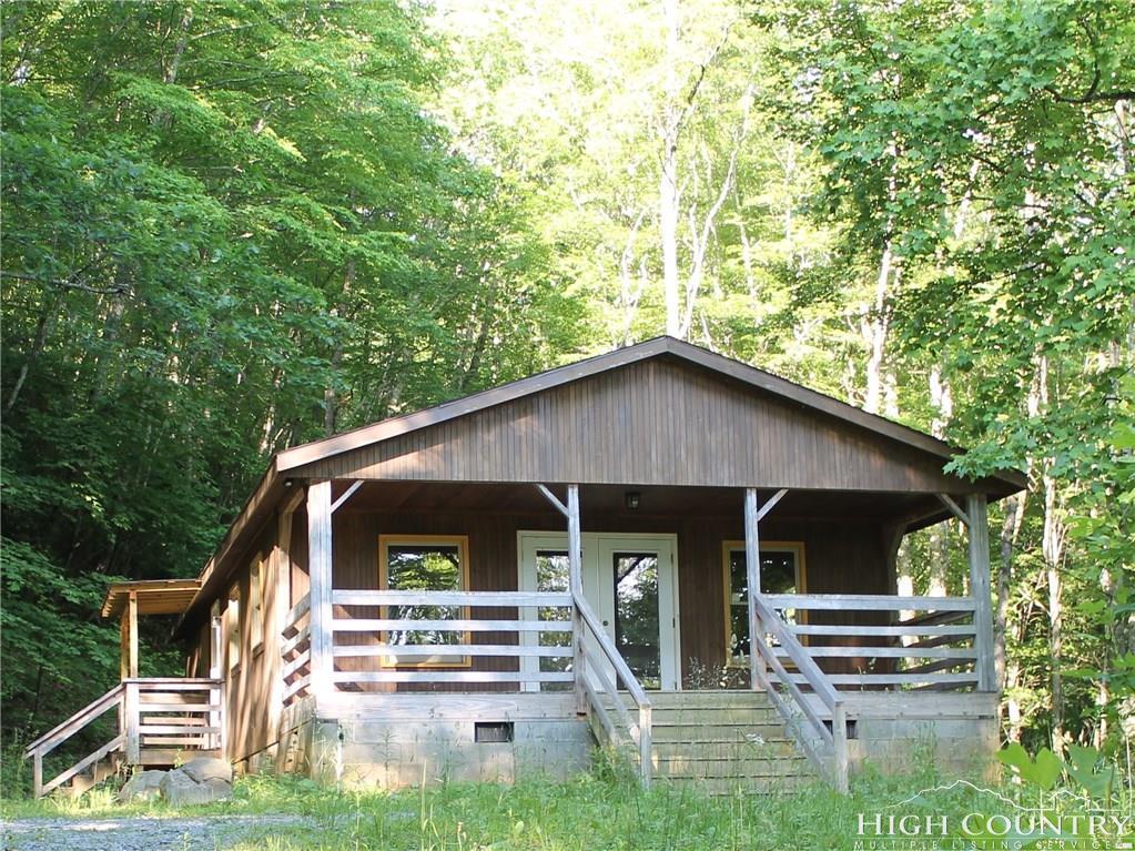 279 Yellow Daisy Lane, Banner Elk, NC 28604