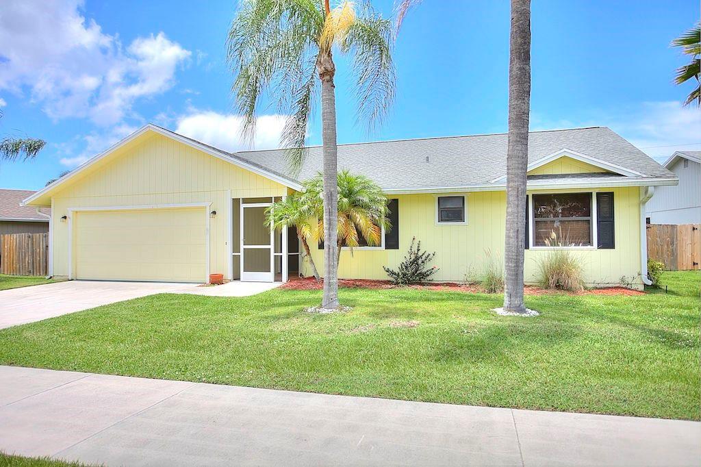 6835 SE Raintree Avenue, Stuart, FL 34997