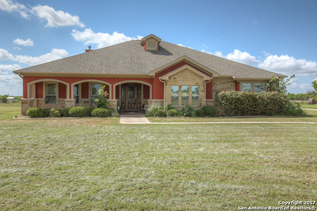 5889 YOUNGSFORD RD, Marion, TX 78124