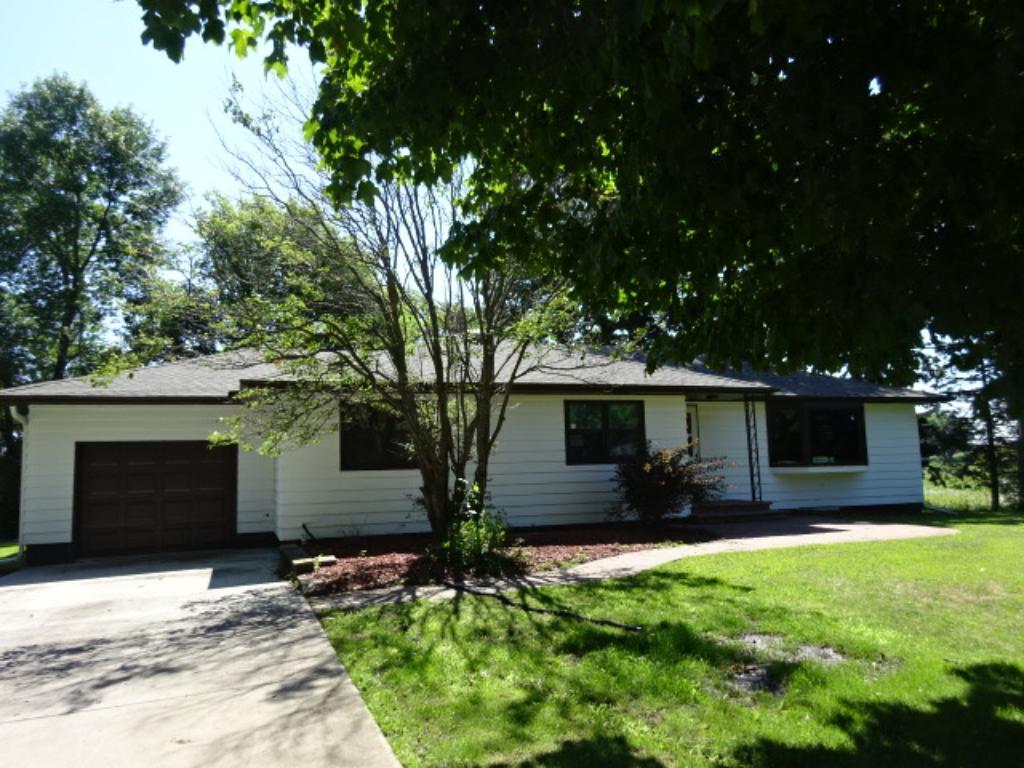 37585 State Highway 13, Montgomery, MN 56069