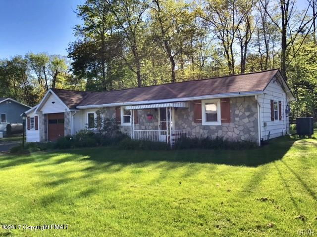 126 Whispering Acres Lane, Bushkill Twp, PA 18091