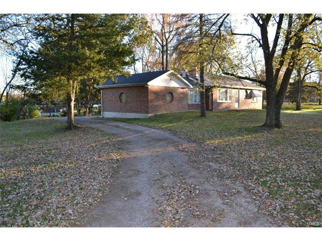 5188 Robidoux Drive, St Louis, MO 63128