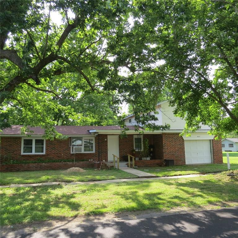 907 S Maple Street, Paden, OK 74860