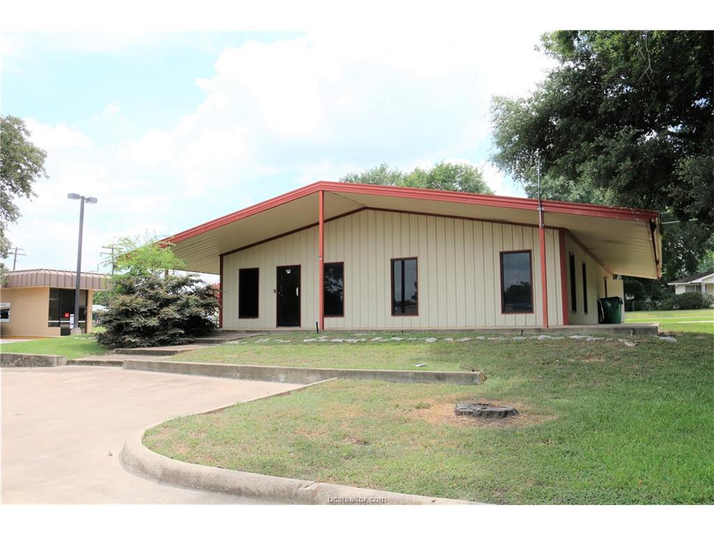 204 N Commerce Street, Madisonville, TX 77864