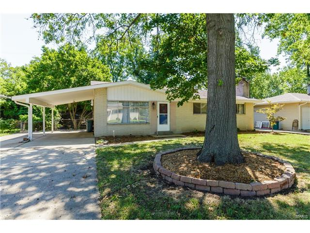 2720 Lakeport Drive, Maryland Heights, MO 63043