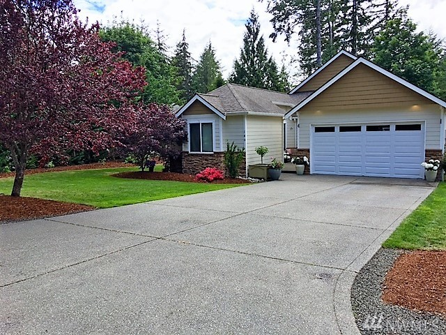 140 E Lake Forest Dr, Allyn, WA 98524