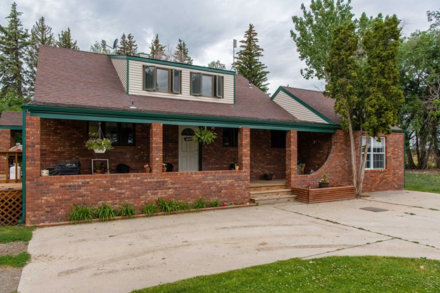 979 Carbon St, Ralston, WY 82440