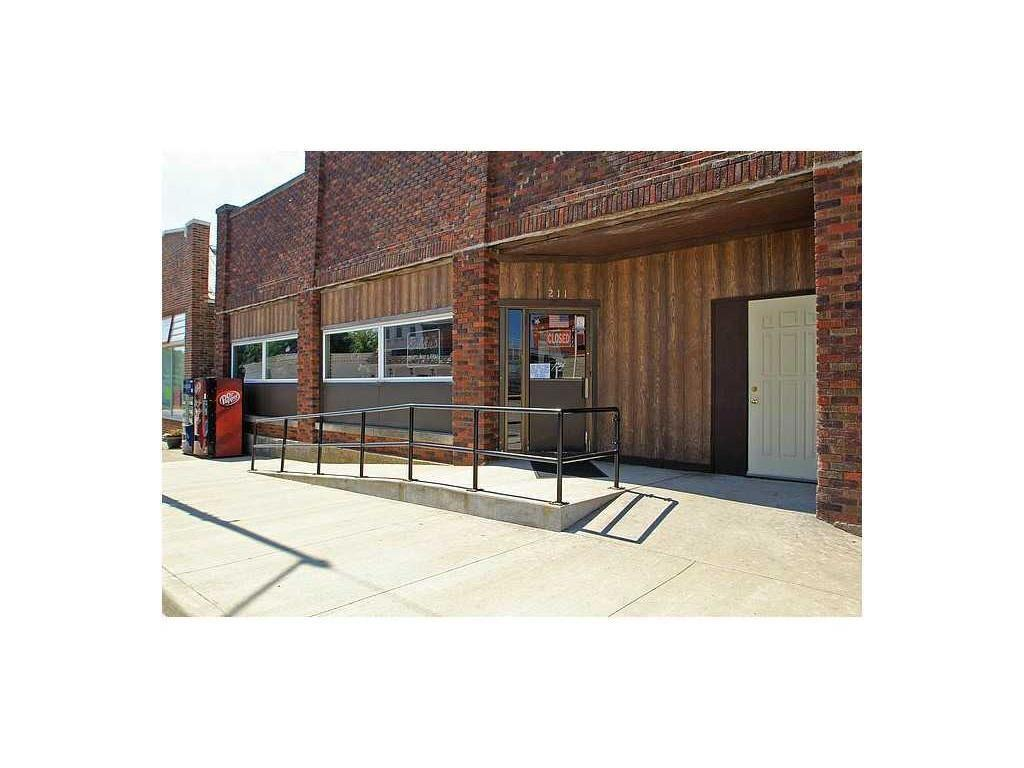 211 E 1st Street, Mechanicsville, IA 52306