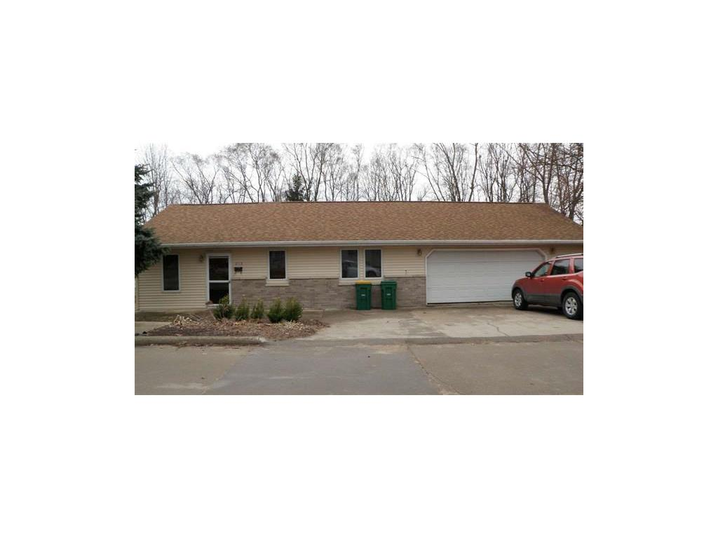 613 7th Street SW, Independence, IA 50644