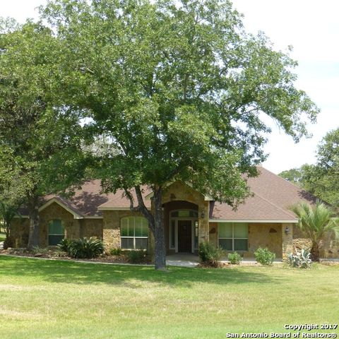 160 COPPER RIDGE DR, La Vernia, TX 78121
