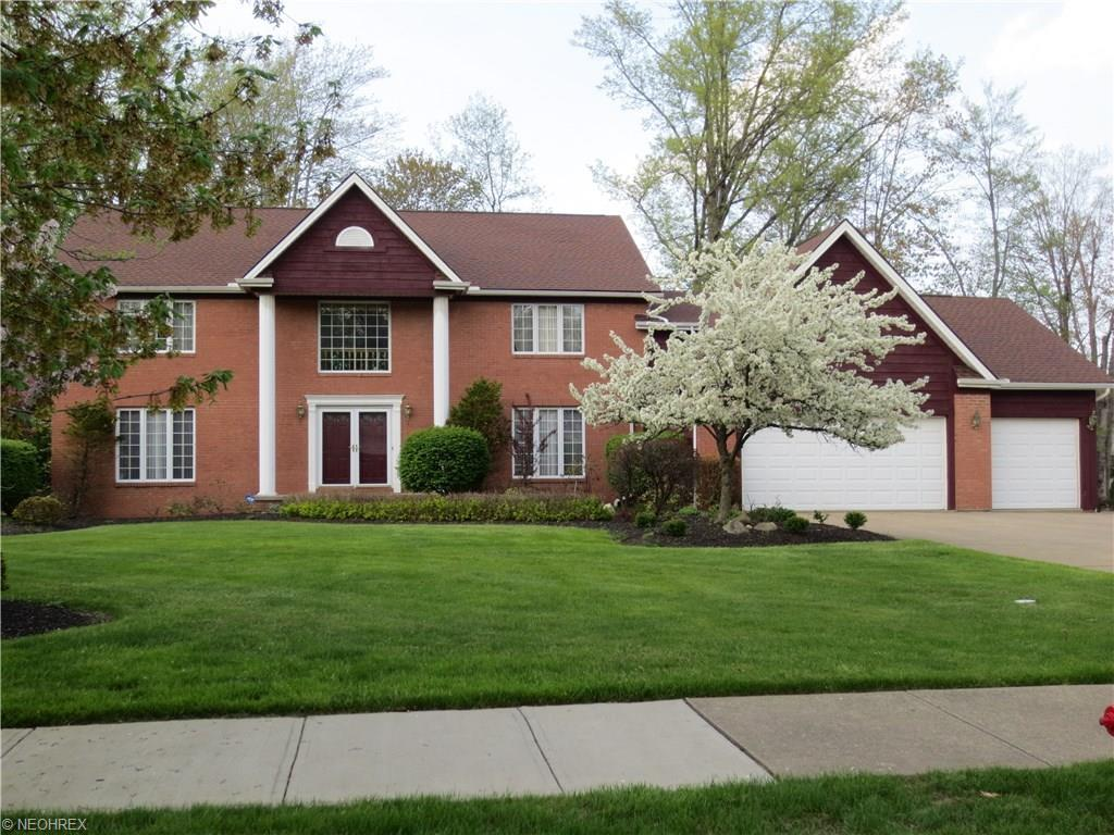 6261 Coldstream Rd, Highland Heights, OH 44143