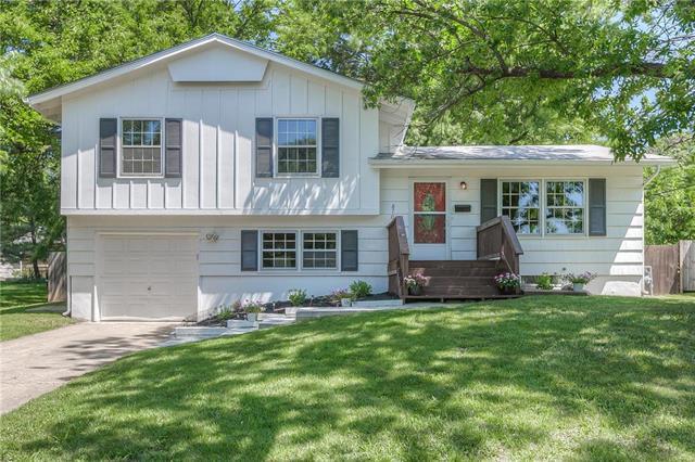8706 Slater Street, Overland Park, KS 66212