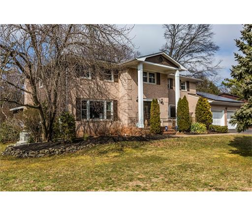22 Point Of Woods Drive, North Brunswick, NJ 08902