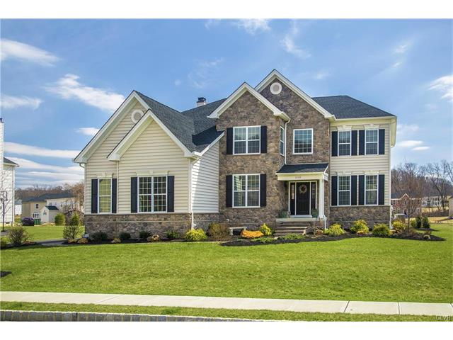 2120 Rainlilly Drive, Upper Saucon Twp, PA 18034