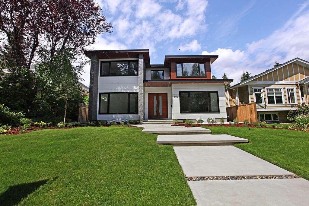 886 E 11 STREET, North Vancouver, BC V7L 2J1