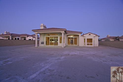 49435 Vista Luna, La Quinta, CA 92253