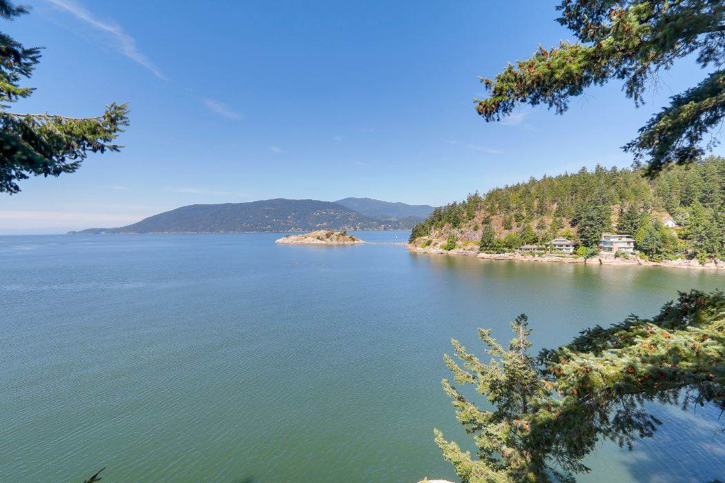 6648 MARINE DRIVE, West Vancouver, BC V7W 2S9