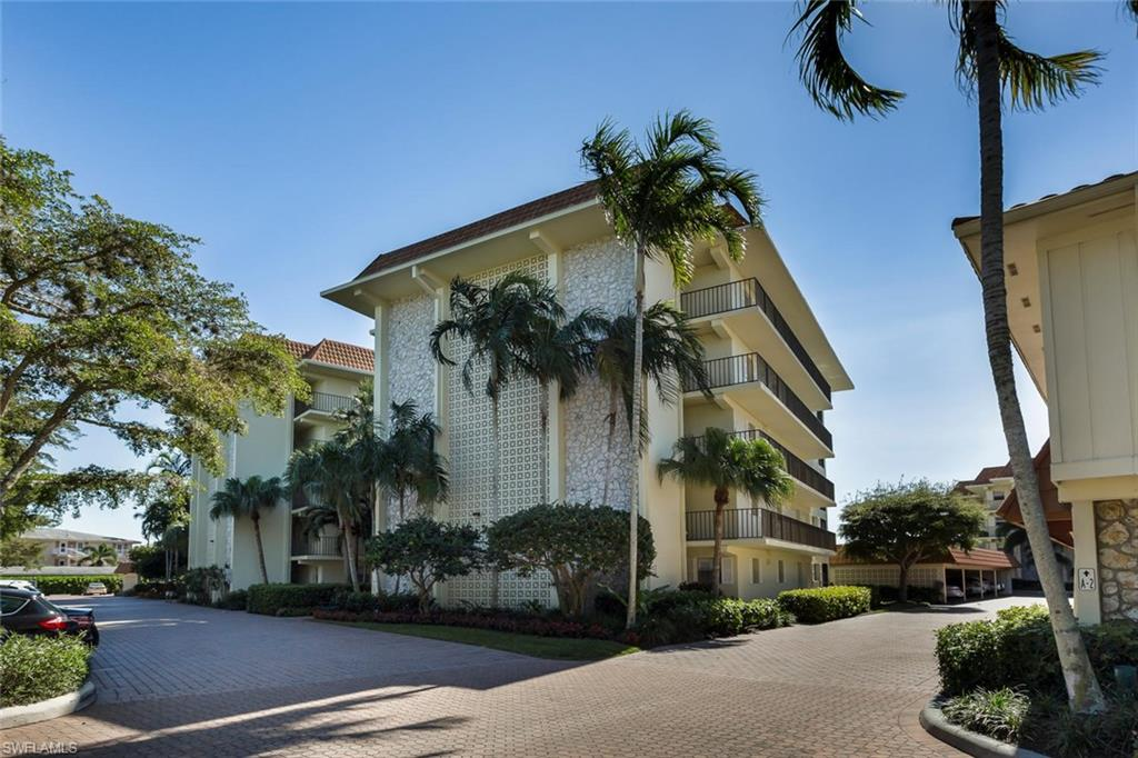 222 Harbour DR 114, NAPLES, FL 34103
