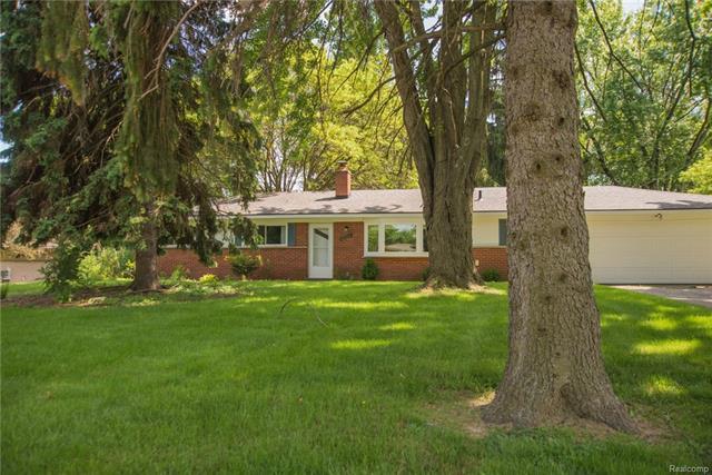152 NESBIT Lane, Rochester Hills, MI 48309