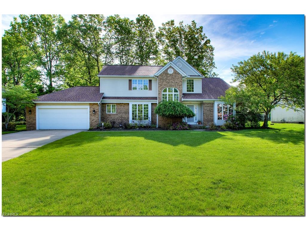 605 Hanford Dr, Highland Heights, OH 44143