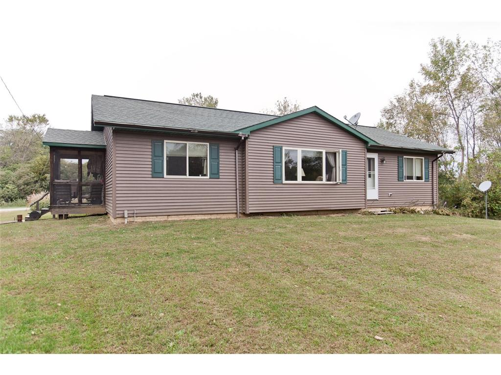 21256 County Line Road, Columbus Junction, IA 52738