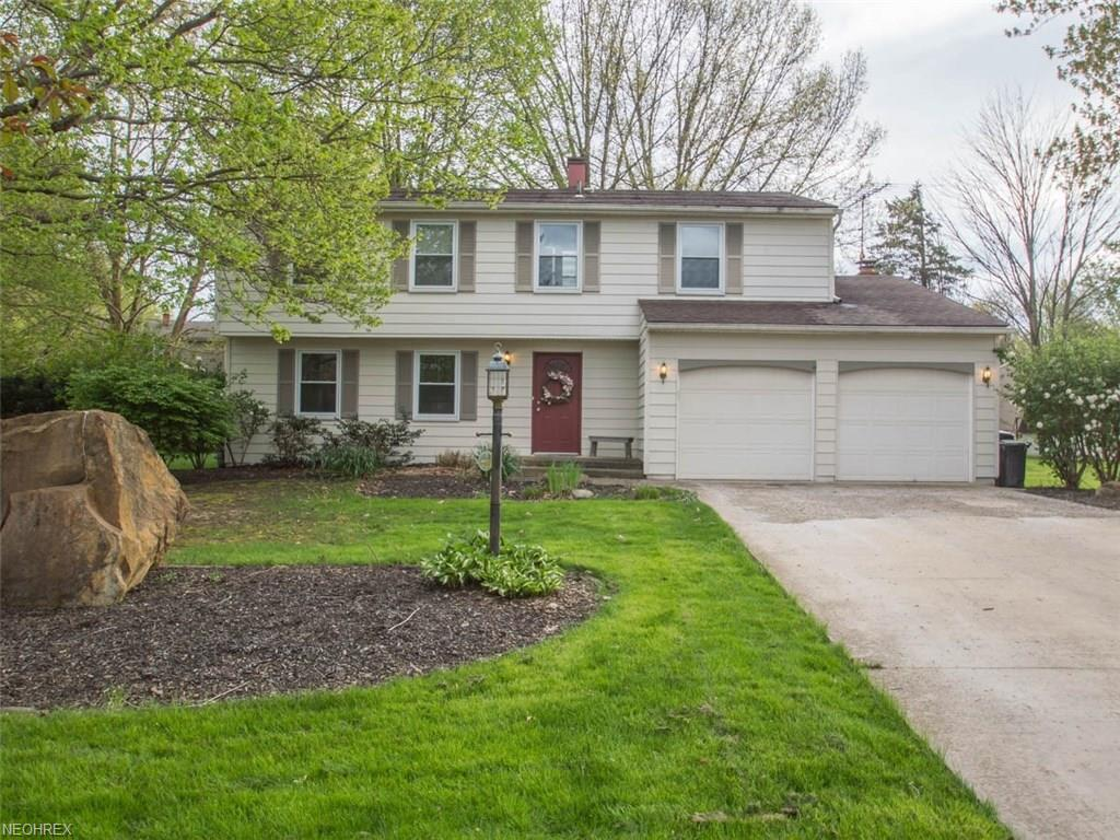 413 Garden Gate Ct, Youngstown, OH 44512