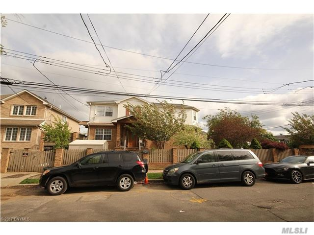 34 Nugent Ave, Out Of Area Town, NY 10305