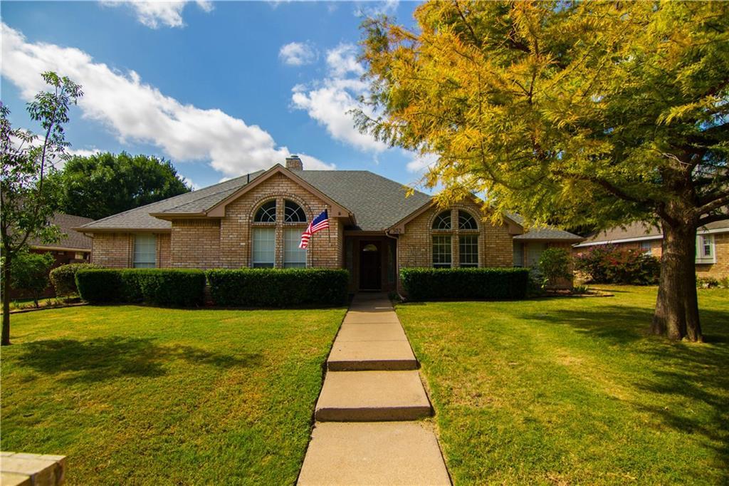 302 Iroquois Lane, Waxahachie, TX 75165