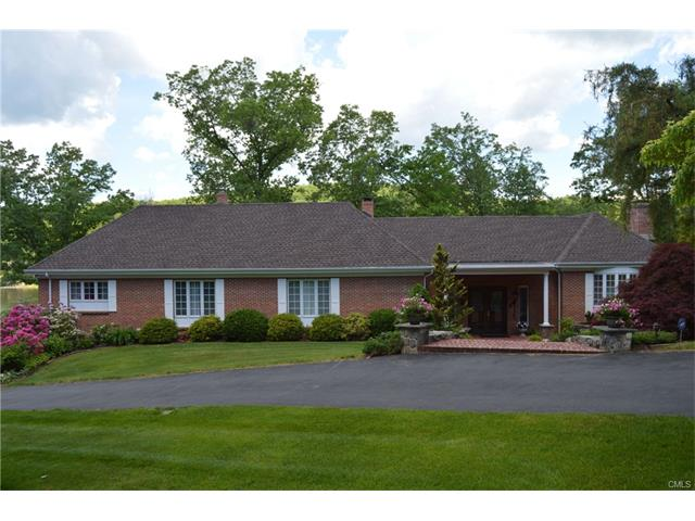 20 Hidden Brook Drive, Brookfield, CT 06804
