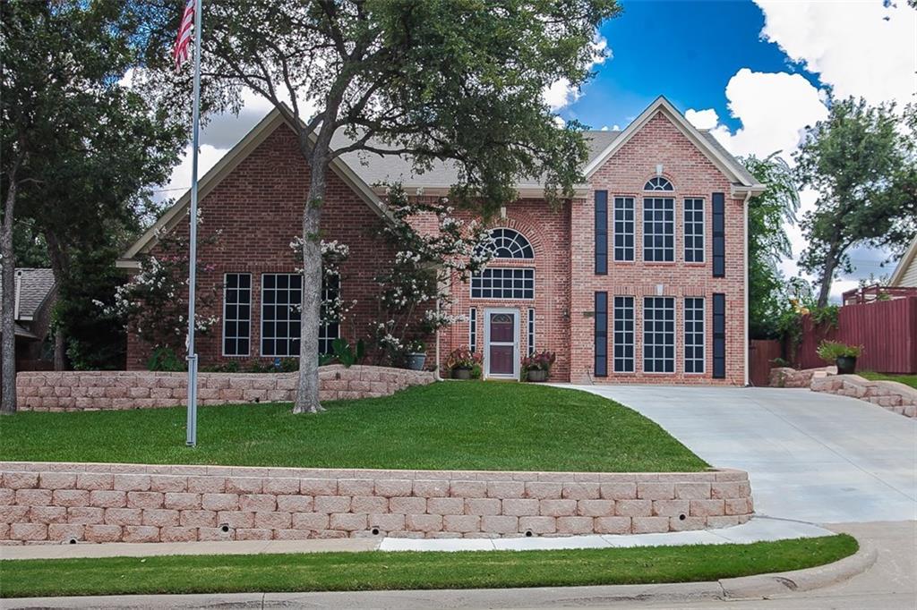 1816 Branch Hollow Lane, Grapevine, TX 76051