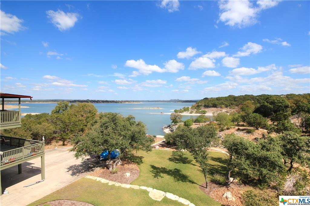 1180 Rip Jay Circle, Canyon Lake, TX 78133