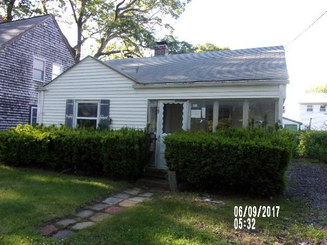 73 Pine Crest DR, East Providence, RI 02915