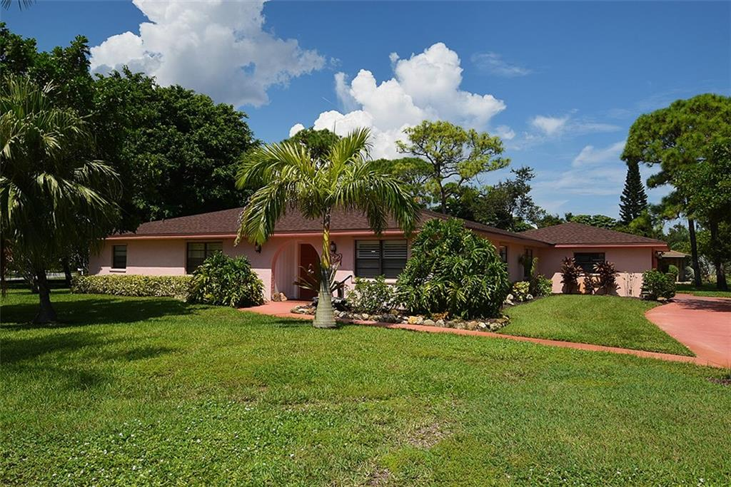 2822 NE YORKSHIRE Lane, Jensen Beach, FL 34957