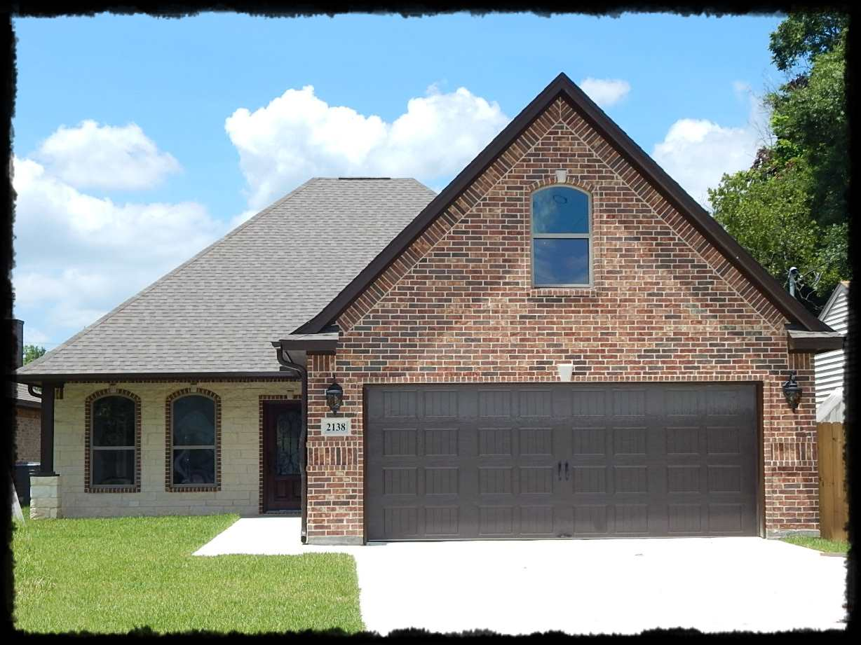 2138 Armstrong Ave, Port Neches, TX 77651
