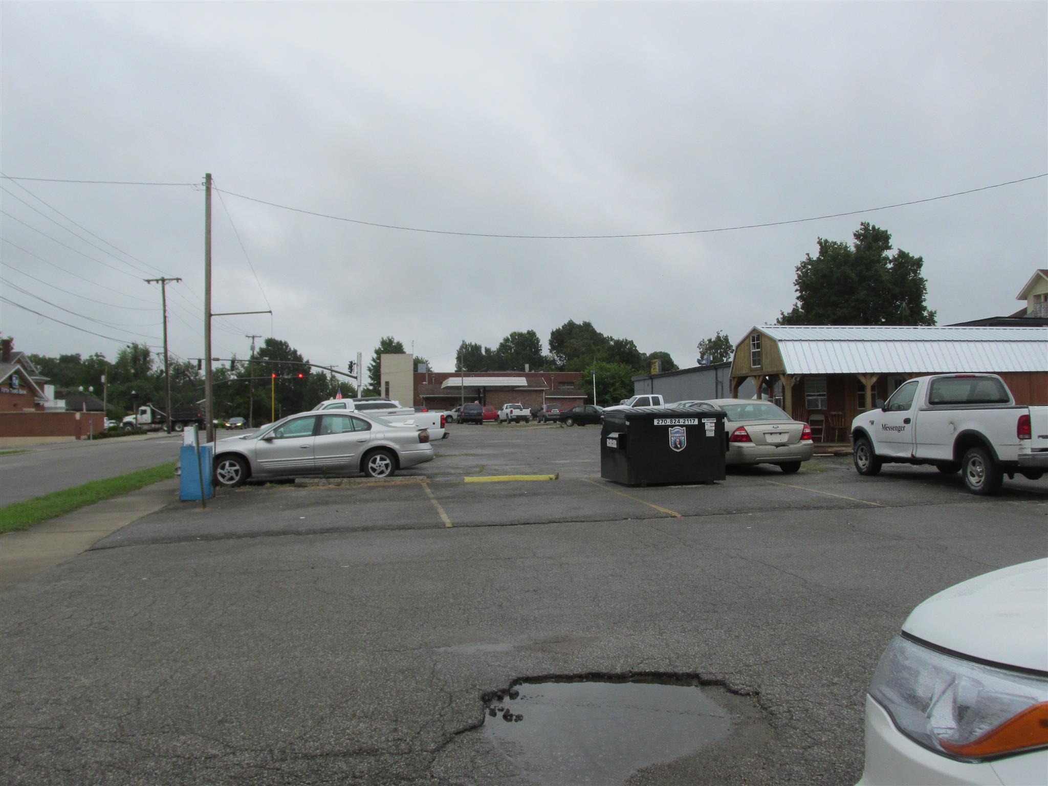 207 S Main St, Madisonville, KY 42431