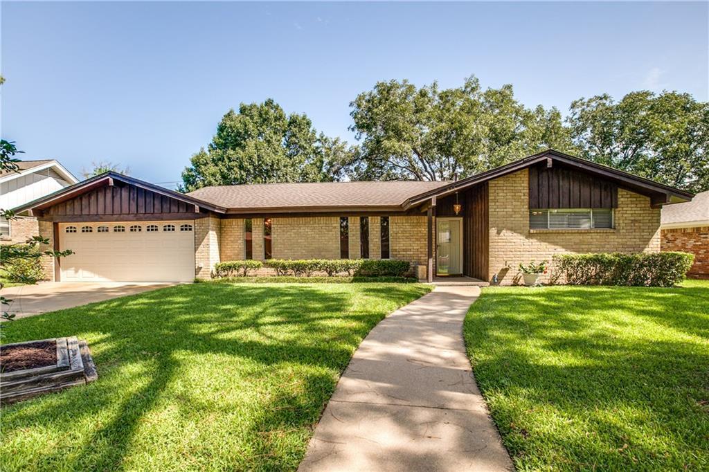 224 W Pleasantview Drive, Hurst, TX 76054