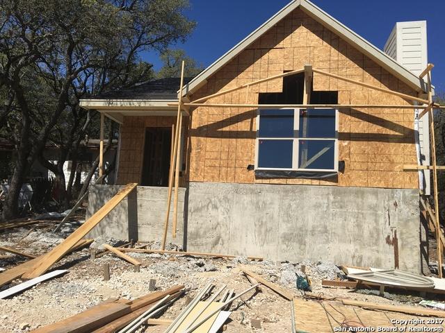 1127 Eastview Dr, Canyon Lake, TX 78133