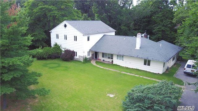 8 Farmers Rd, Kings Point, NY 11024
