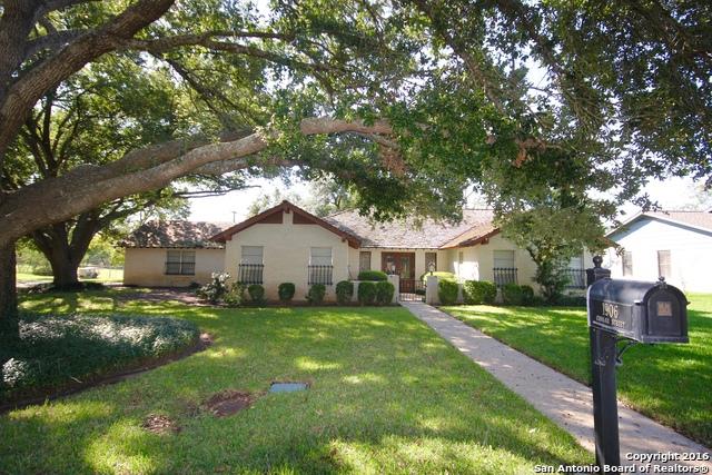 1906 CHUKAR ST, Floresville, TX 78114