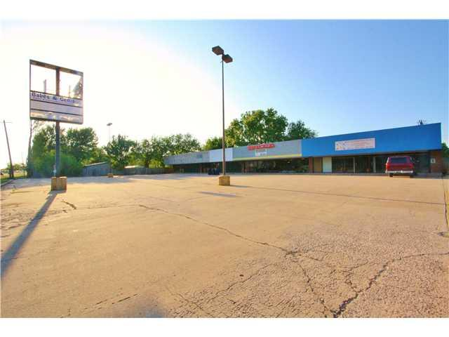 9005 NW 10th, Oklahoma City, OK 73127